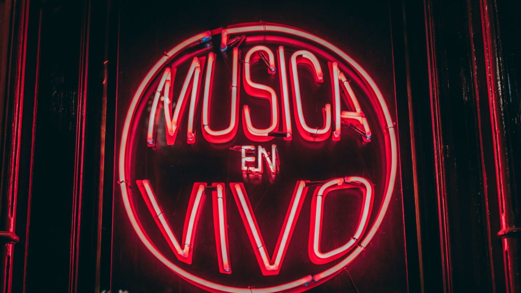 """Cartel """"Música en vivo"""""""