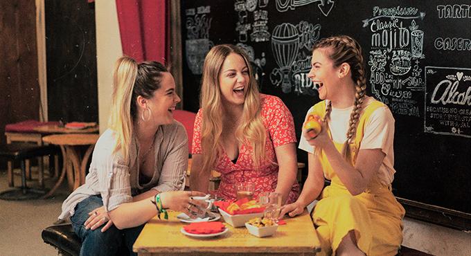 Las tres actrices protagonistas de La vida es una broma