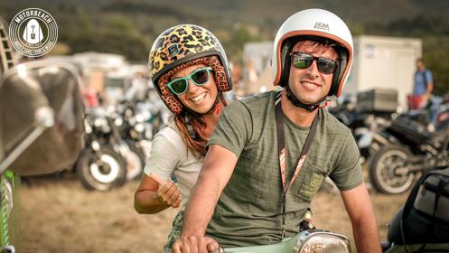 Dos asistentes en moto a la pasada edición del Motorbeach Festival