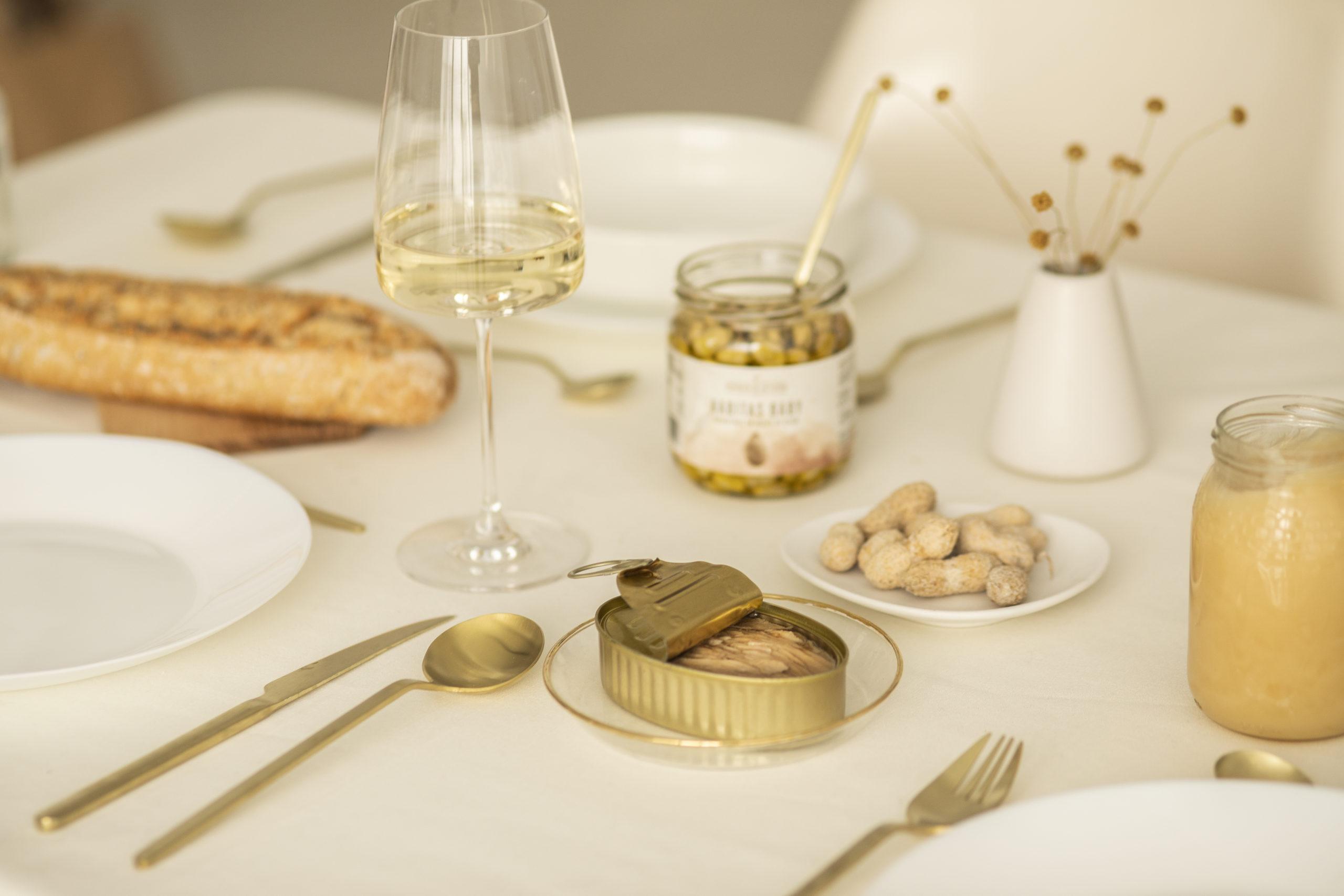 Aperitivo con productos gourmet Vegamar